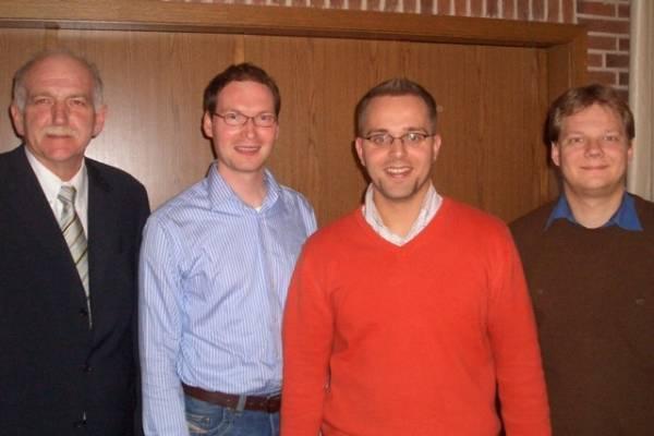 v. li. n. re.: Bernhard Schemmer MdL (Reken), stellvertr. CDU-Kreisvorsitzender Coesfeld Valentin Merschhemke (Coesfeld), Kreisvorsitzender der JU Borken Thomas Kerkhoff (Velen-Ramsdorf), Vorsitzender der JU Münsterland Sven Volmering (Bocholt)