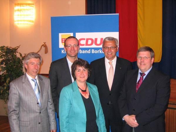 v.l.n.r. Wilhelm Brefeld, Jens Spahn MdB, Gudrun Meiwes, Hubert Hüppe und Dr. Olaf Baumhove