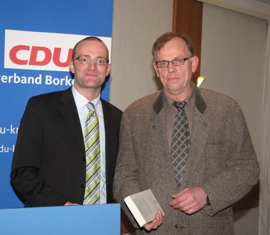 Heinrich Lübbering aus Vreden ist das 200. Neumitglied 2008 im CDU-Kreisverband Borken