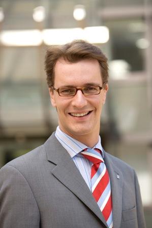 Hendrik Wüst: Seit dem Jahr 2000 hat es kein so gut ausgestattetes Programm zur Städtebauförderung mehr gegeben, wie in diesem Jahr, und auch Bocholt profititiert sehr von diesen Fördermitteln.\