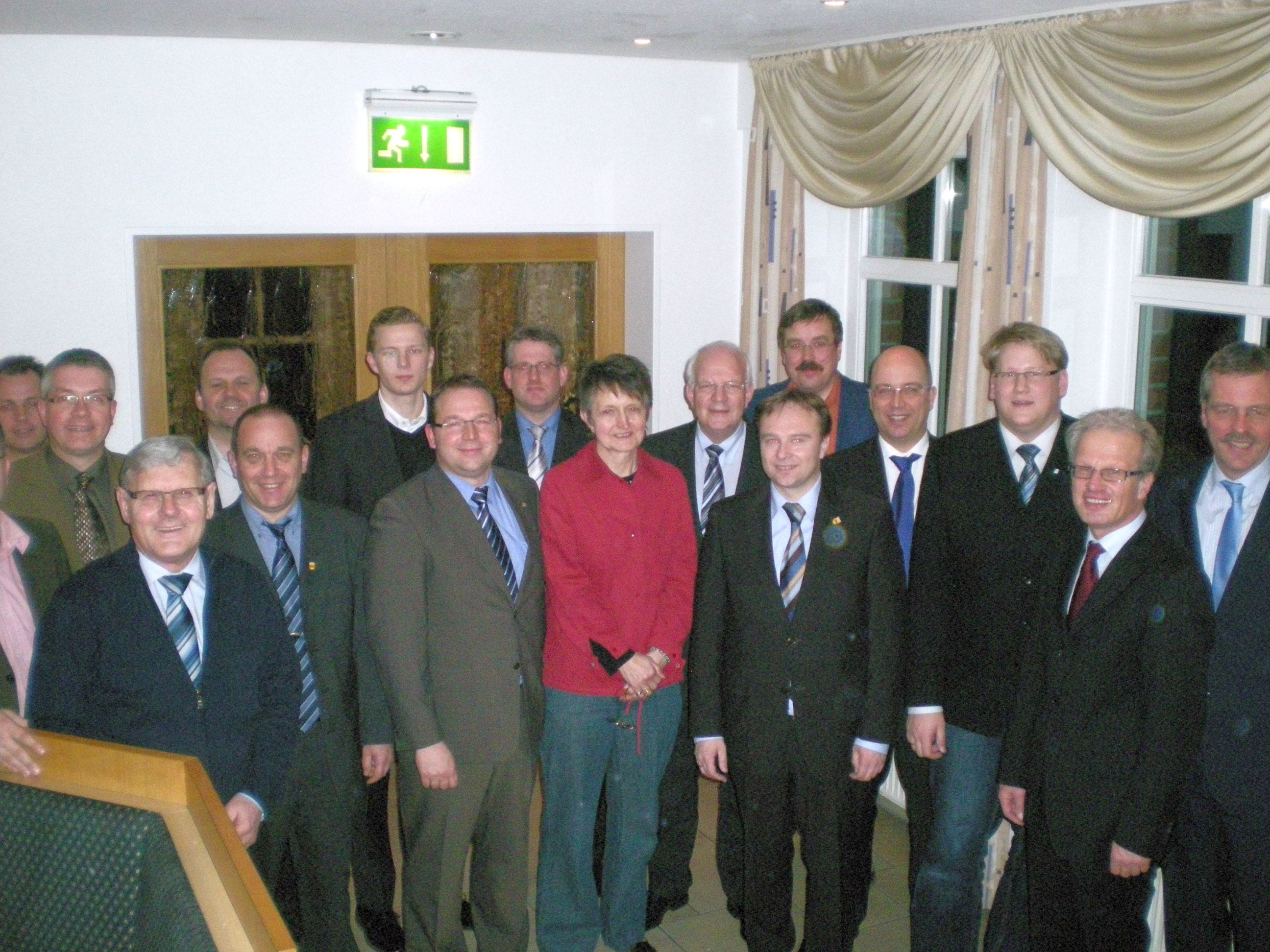 Anlage: Foto des neuen KPV-Kreisvorstandes mit LR Zwicker um den neuen Vorsitzenden Vortkamp (7.v.l.).