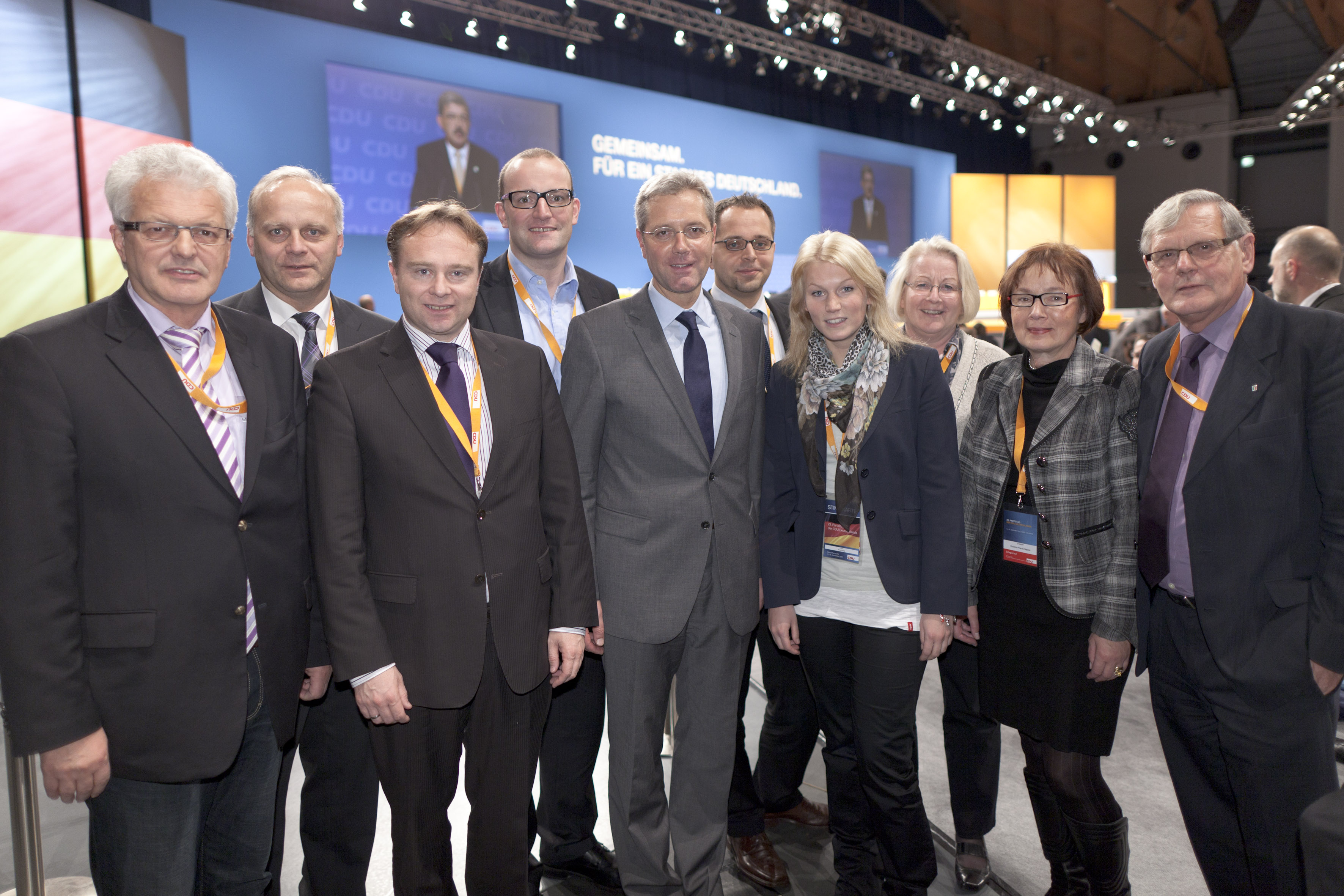 Foto der Delegierten des CDU-Kreisverbandes mit dem neuen CDU-Landesvorsitzenden der Dr. Norbert Röttgen, MdB. (Es fehlt Hendrik Wüst MdL)