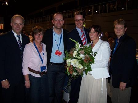 v.l.n.r. Johannes Röring MdB, Christel Wegmann, Jens Spahn MdB, CDU-Generalsekretär Hendrik Wüst MdL. Martina Schrage und Sven Volmering